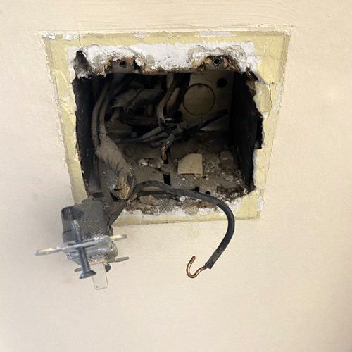 Learn how you can tell if your outlet is going bad